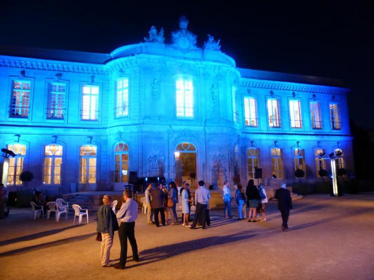 Le château mis en lumière, version bleue