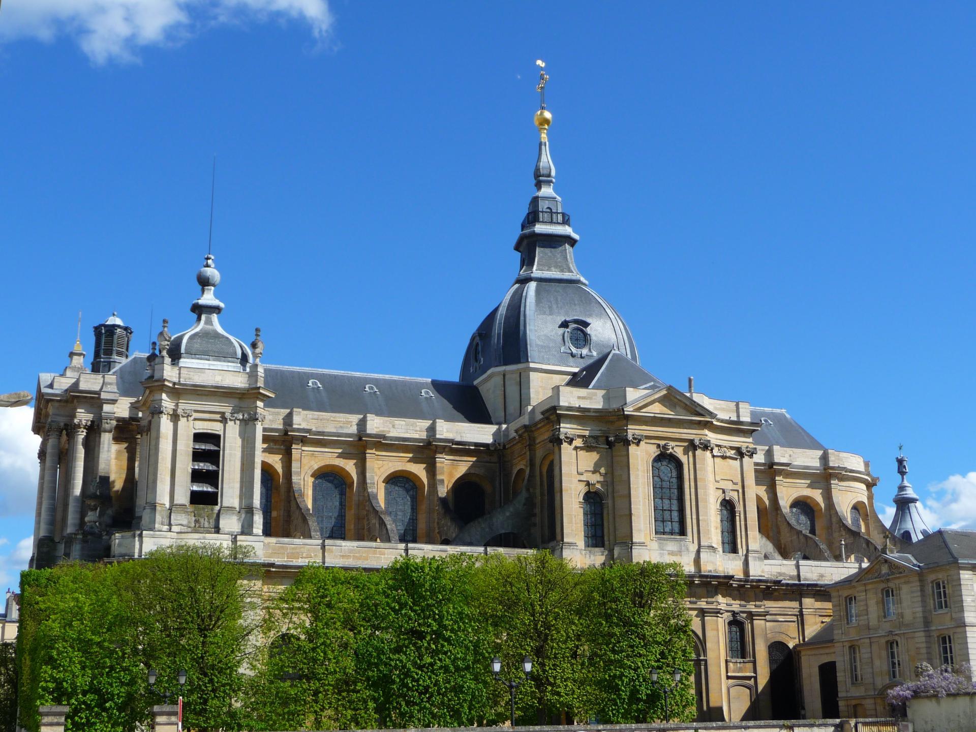 Jacques Hardouin-Mansart de Sagonne : Cathédrale Saint-Louis de Versailles, 1742-1754, cl. Ph. Cachau