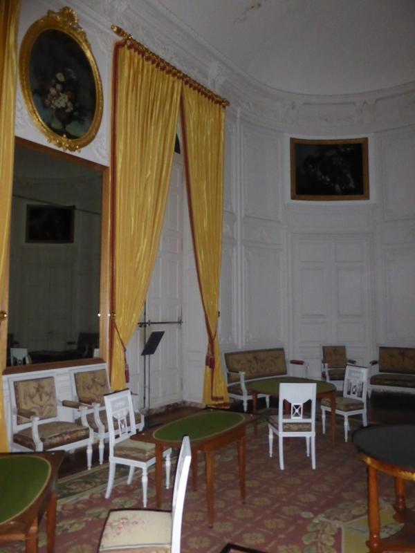 Vue du salon de l'Empereur avec ses nouveaux rideaux