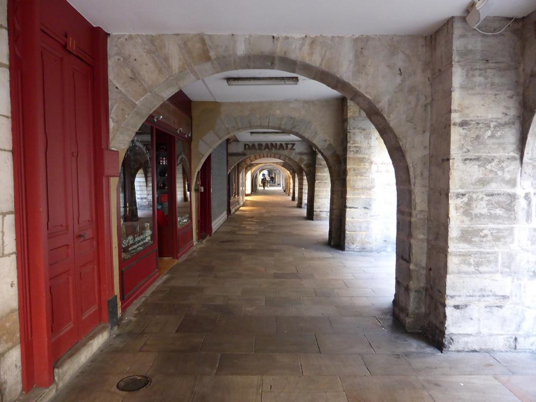 Passage couvert de la rue Port Neuf